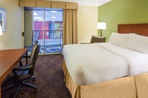 Room - Holiday Inn Fairmont