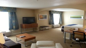 Suite - Holiday Inn Express Hotel & Suites Spring