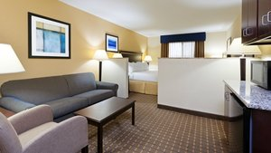 Room - Holiday Inn Hotel & Suites West Allentown