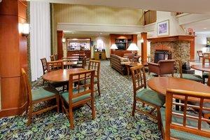 Lobby - Staybridge Suites Airport Allentown