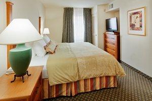 Room - Staybridge Suites Airport Allentown