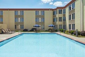 Pool - Holiday Inn Breinigsville