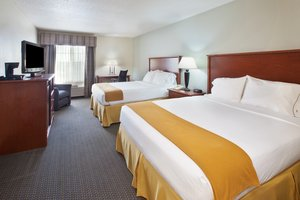 Room - Holiday Inn Express Hotel & Suites Empire Mall Sioux Falls