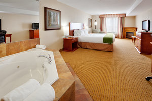 Suite - Holiday Inn Express Hotel & Suites Bowmanville