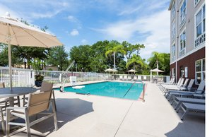 Pool - Holiday Inn Express East I-75 Sarasota