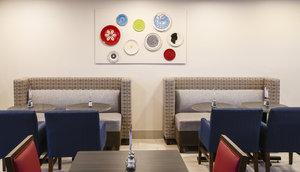 Restaurant - Holiday Inn Express Hotel & Suites Airport Phoenix