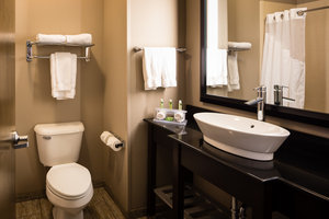 - Holiday Inn Express Hotel & Suites El Reno
