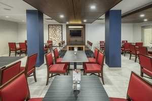 Restaurant - Holiday Inn Express Hotel & Suites Medicine Hat