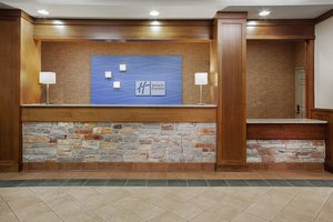 Lobby - Holiday Inn Express Hotel & Suites Coralville