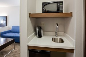 Room - Holiday Inn Express Hotel & Suites Dickinson