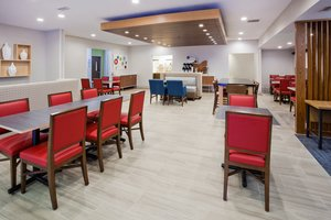 Restaurant - Holiday Inn Express Hotel & Suites Dickinson