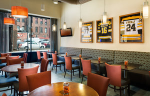 Restaurant - Holiday Inn Express Hotel & Suites Boston