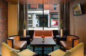 Lobby - Holiday Inn Express Hotel & Suites Boston