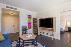 Suite - Bristol Hotel San Diego