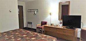 Room - Amerivu Inn & Suites Avon