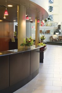 Lobby - Crowne Plaza Hotel Airport Indianapolis