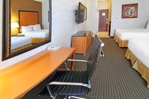 Room - Holiday Inn Express Hotel & Suites South Calgary