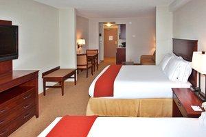 Suite - Holiday Inn Express Hotel & Suites Brockville