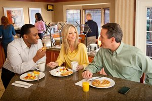 Restaurant - Staybridge Suites Alpharetta