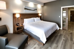 Room - Holiday Inn Express Hotel & Suites Trois-Rivieres