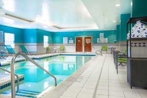 Pool - Holiday Inn Express Hotel & Suites Williamsburg