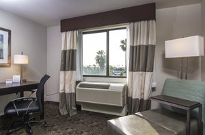 Holiday Inn Express Hotel Amp Suites Carlsbad Ca See