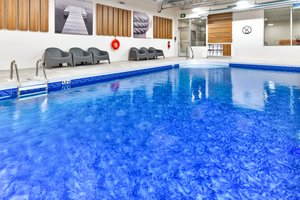 Pool - Holiday Inn Express Hotel & Suites Trois-Rivieres
