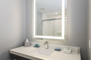 - Holiday Inn Express Hotel & Suites Hobby Airport Houston