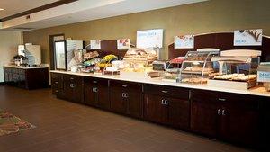 Restaurant - Holiday Inn Express Hotel & Suites Northeast Wichita