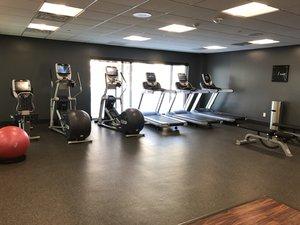Fitness/ Exercise Room - Holiday Inn Southwest Omaha