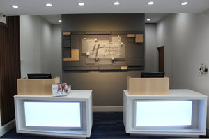 Lobby - Holiday Inn Express Hotel & Suites Mansfield