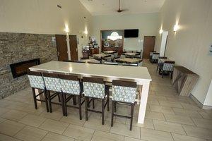Restaurant - Holiday Inn Express Watertown