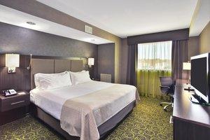 Suite - Holiday Inn Airport Polo Park Winnipeg