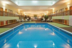 Pool - Holiday Inn Brookline