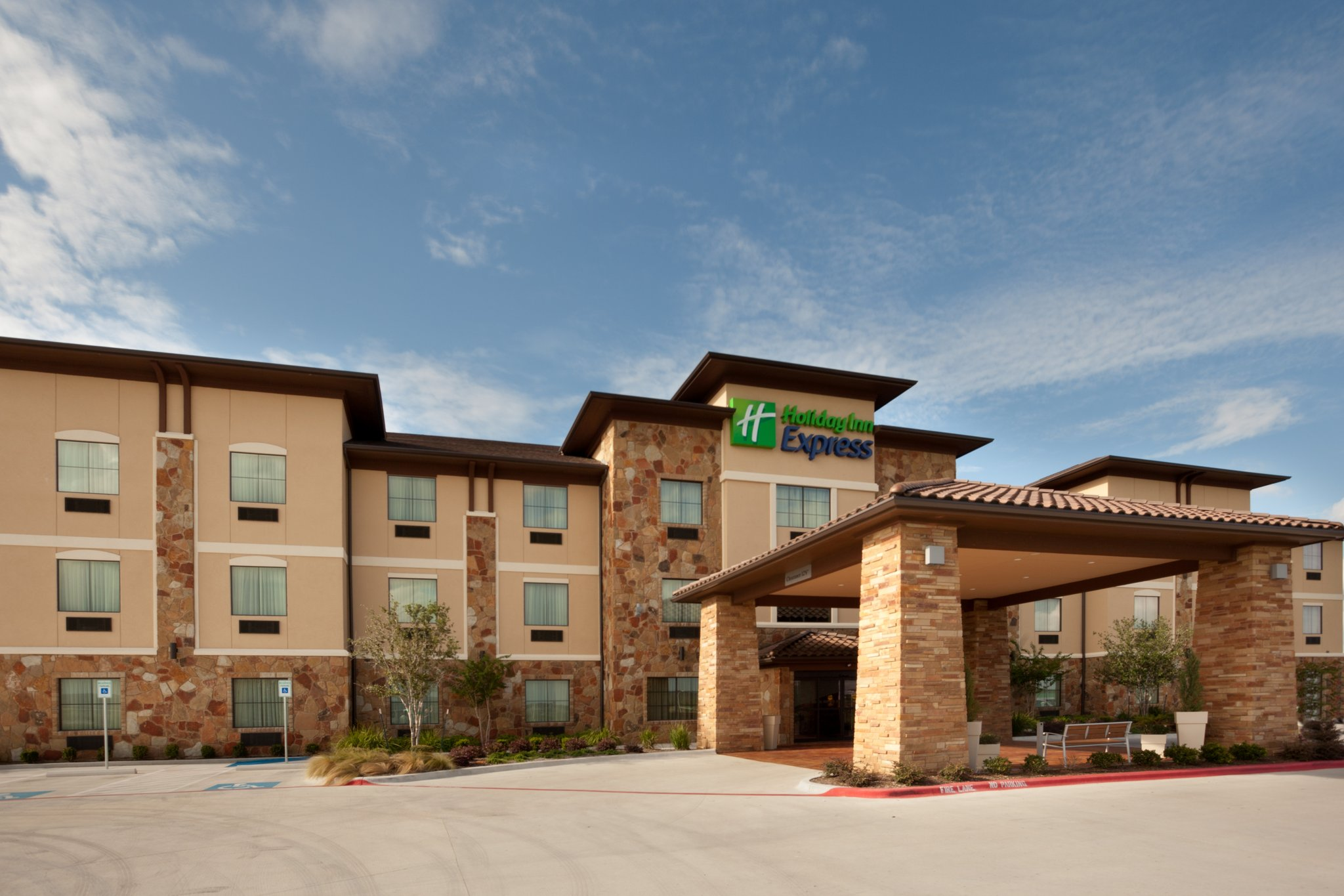 Holiday Inn Express & Suites MARBLE FALLS
