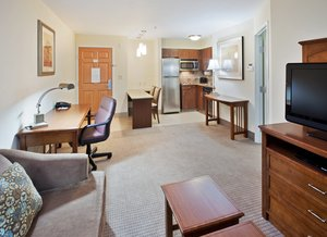 Room - Staybridge Suites Reno