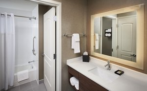 - Staybridge Suites Niagara on the Lake