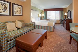 Suite - Holiday Inn Express Hotel & Suites Logan