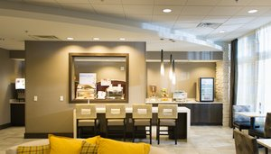 Restaurant - Holiday Inn Express Hotel & Suites Central Madison