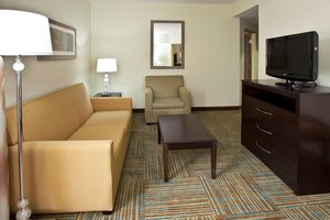 Suite - Holiday Inn Express Hotel & Suites Perry