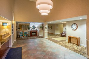 Lobby - Holiday Inn Express Hotel & Suites Brattleboro