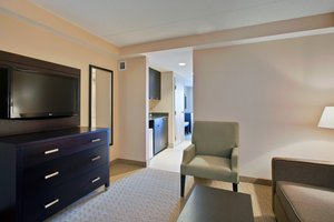 Suite - Holiday Inn Express Hotel & Suites Nepean