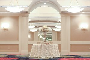 Ballroom - Crowne Plaza Hotel Virginia Beach