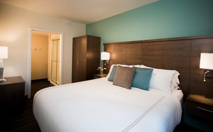 Room - Staybridge Suites South Lake Union Seattle