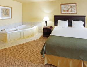 Suite - Holiday Inn Express Bert Kouns Shreveport