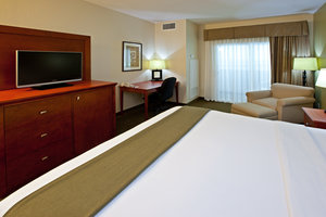 Room - Holiday Inn Express Hotel & Suites Bedford