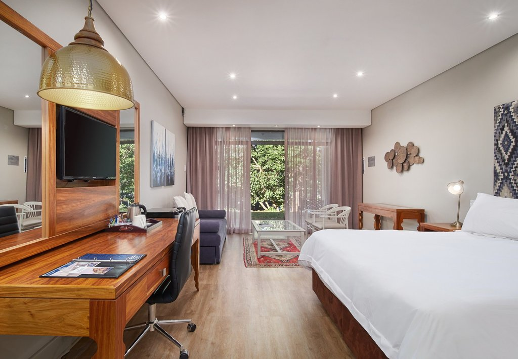 King Guest Room with Garden View