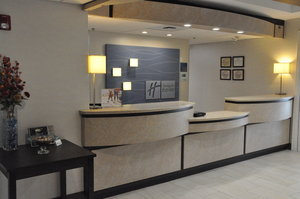 Lobby - Holiday Inn Express Hotel & Suites Jackson