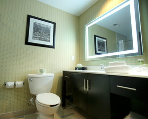 - Holiday Inn Express Hotel & Suites Southport