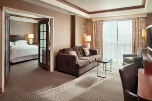 Suite - Sheraton Hotel Sioux Falls